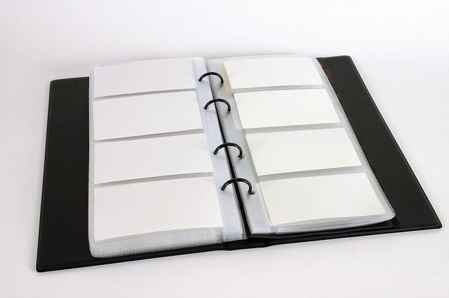 business-card-holder-686724_640