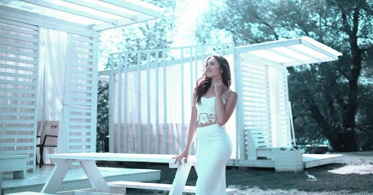 white-skirt-1725169_1280